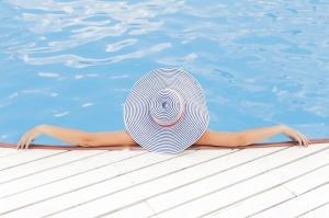 Pool, beach, lake, whatever. I'll take it! (c) Unsplash, pixabay.com